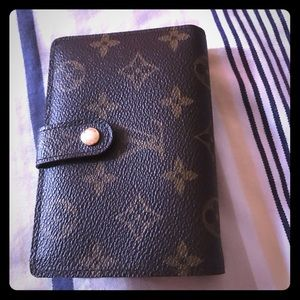 LV French Purse